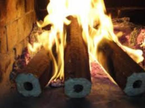 Pini kay houtbriketten