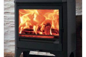 Verwarm goedkoper met houtbriketten